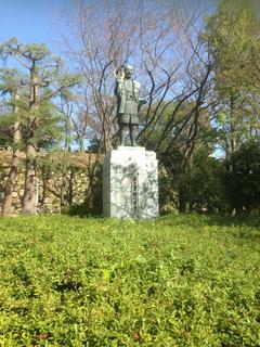 浜松城公園の家康像.JPG