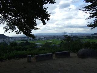 2007_0915_155903_左が畝傍山_右が耳成山.JPG