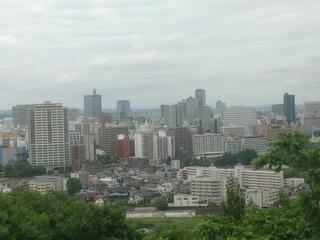 青葉城跡から仙台市街を望む.JPG