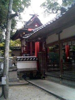 新薬師寺近隣にある鏡神社